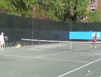 Video: Achtjähriger düpiert Roger Federer