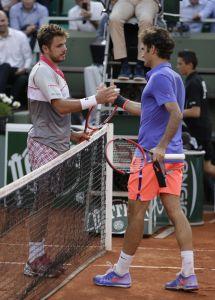 Wawrinka warf Landsmann Federer (r.) in drei Sätzen aus dem Turnier in Paris