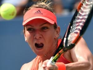 Trotz Oberschenkelproblemen besiegte Simona Halep in drei Sätzen die Deutsche Sabine Lisicki