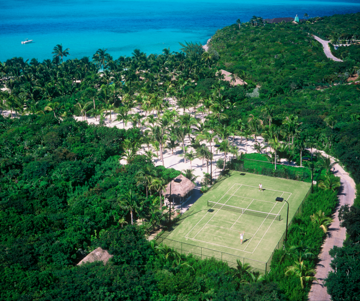 Musha-Cay-at-Copperfield-Bay-Musha-Cay-tennis-courts