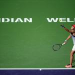 Lucie Hradecka serviert im Match gegen Alison Riske.