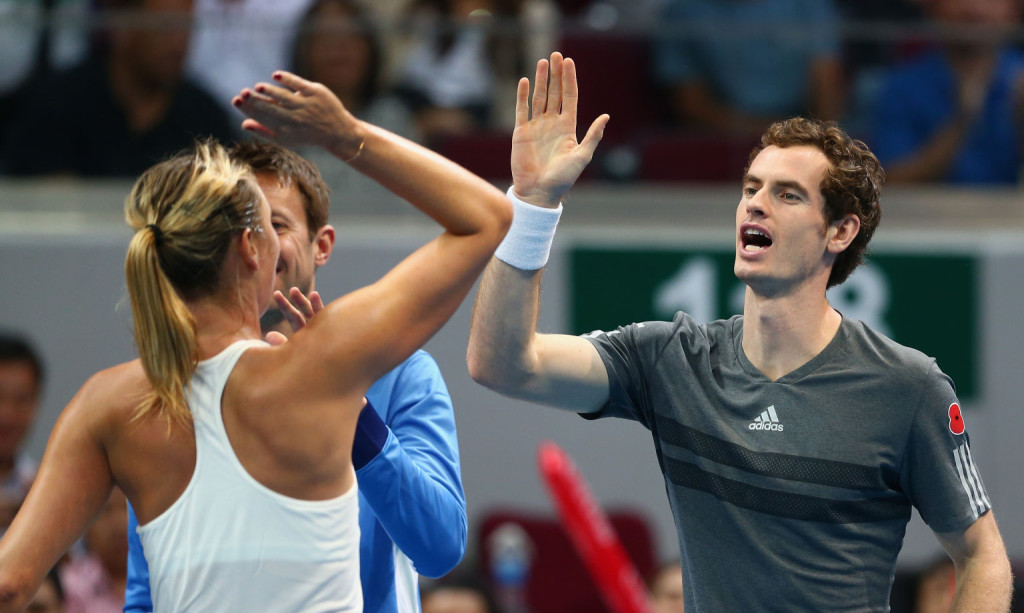 Andy Murray klatscht mit Maria Sharapova ab