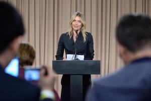 Maria Sharapova beichtet ihren Dopingfall den versammelten Journalisten