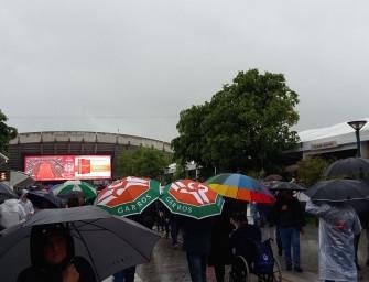 Mail aus Paris: Regenschirme als Verkaufsschlager