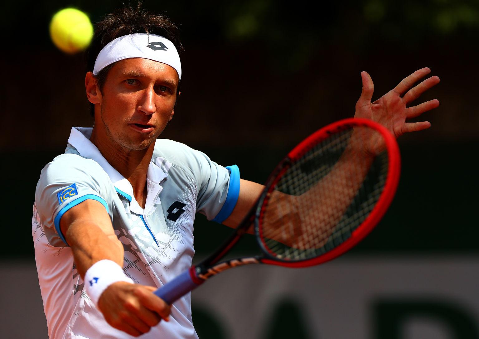 Seinen größten Erfolg feierte Stakhovsky ebenfalls auf Rasen, als er Roger Federer 2013 in der zweiten Runde von Wimbledon besiegen konnte.