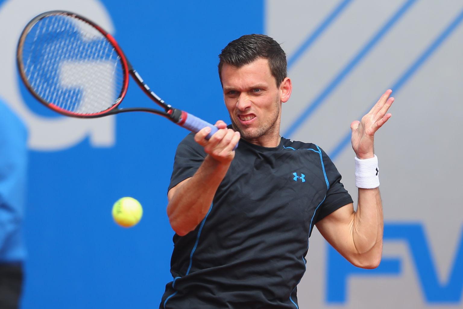 Tobias Kamke steht als dritter deutscher Spiele im Finale der Qualifikation für das dritte Grand Slam-Turnier des Jahres in Wimbledon.