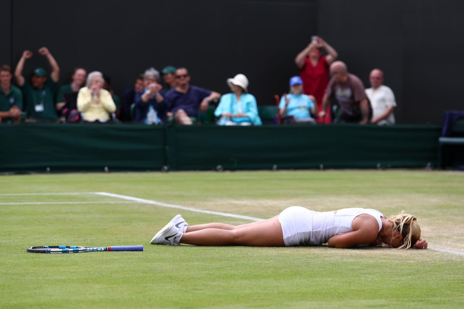 Am Boden: Aber erst nach ihrem überraschenden Sieg gegen die Polin Agnieszka Radwanska