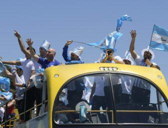 Davis Cup: Argentinische Tennis-Helden mit Pokal in Heimat zurückgekehrt