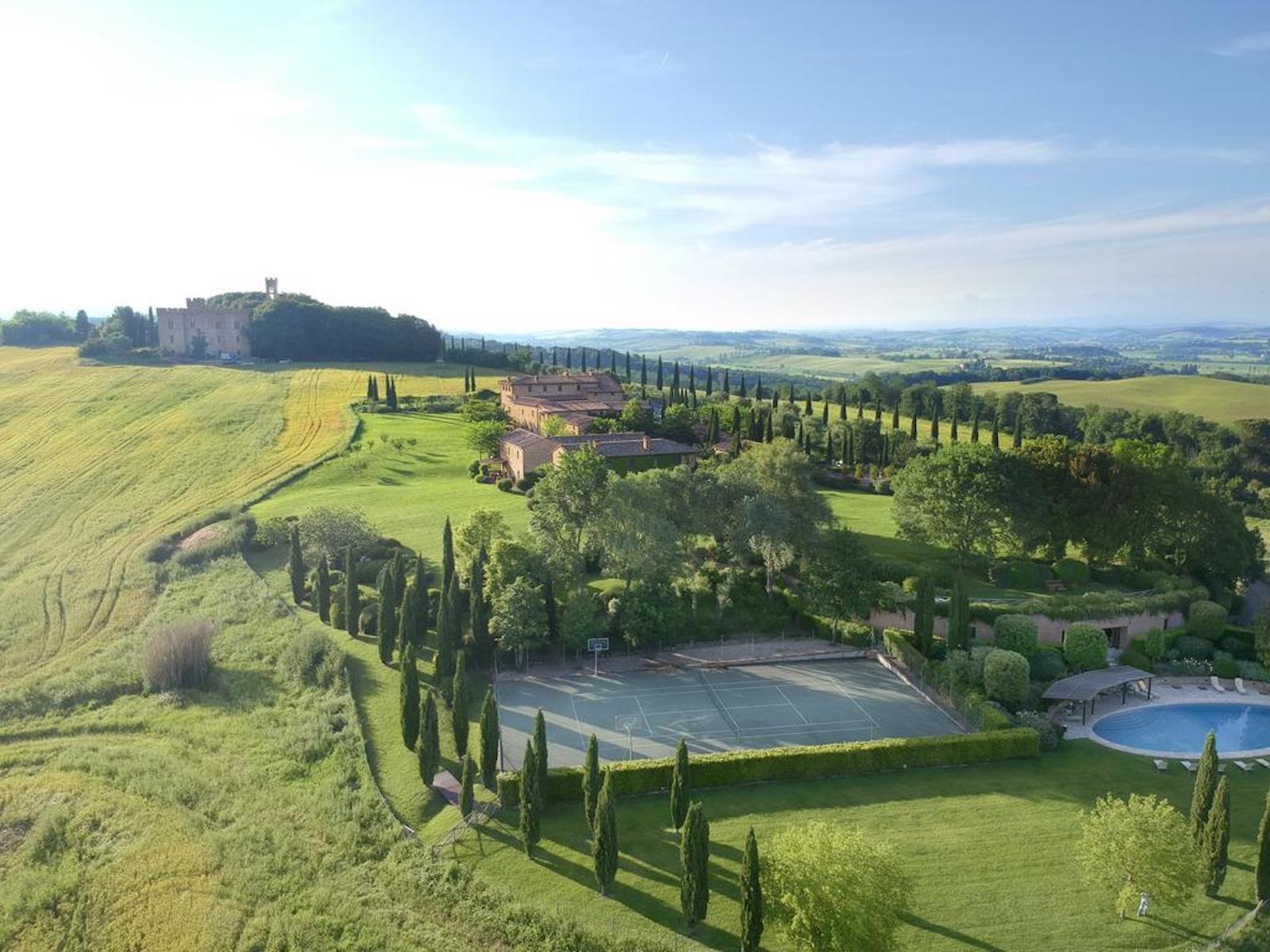 Die schönsten Tennisplätze der Welt