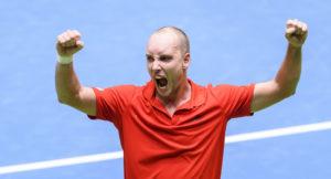 Davis Cup: Kohlschreiber unterliegt zum Auftakt in fünf Sätzen gegen Steve Darcis
