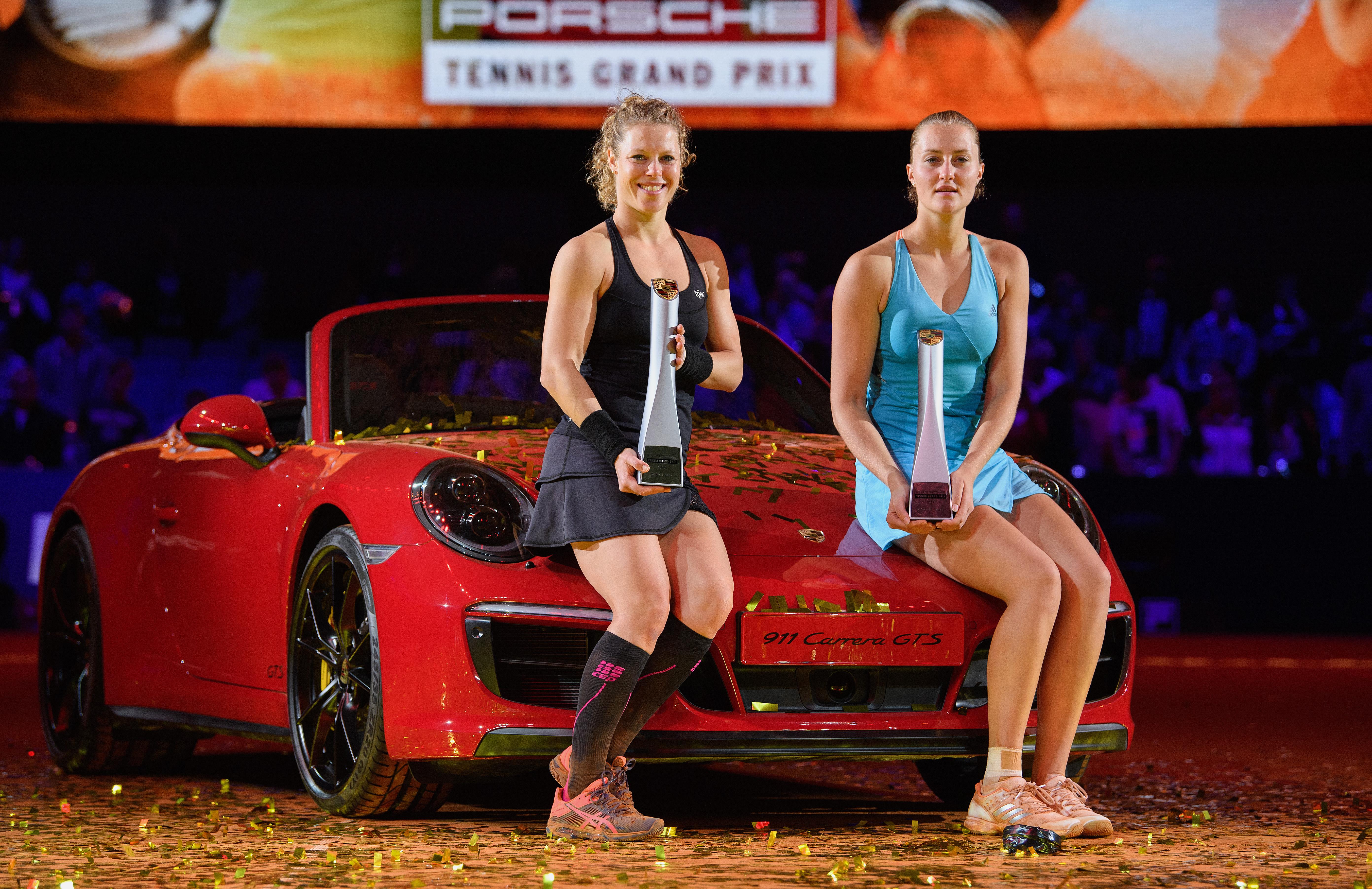 Laura Siegemund gewann das Turnier in Stuttgart und setzte sich im Finale gegen eine Formstarke Kristina Mladenovic (re.) durch.