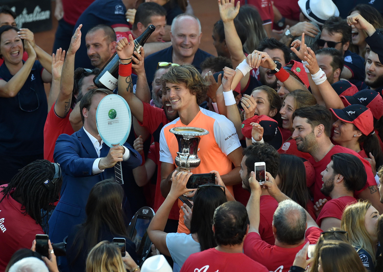 Zverev gewinnt Rom