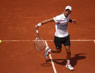 Nur kurzer Frustanfall: Djokovic marschiert locker in dritte Runde