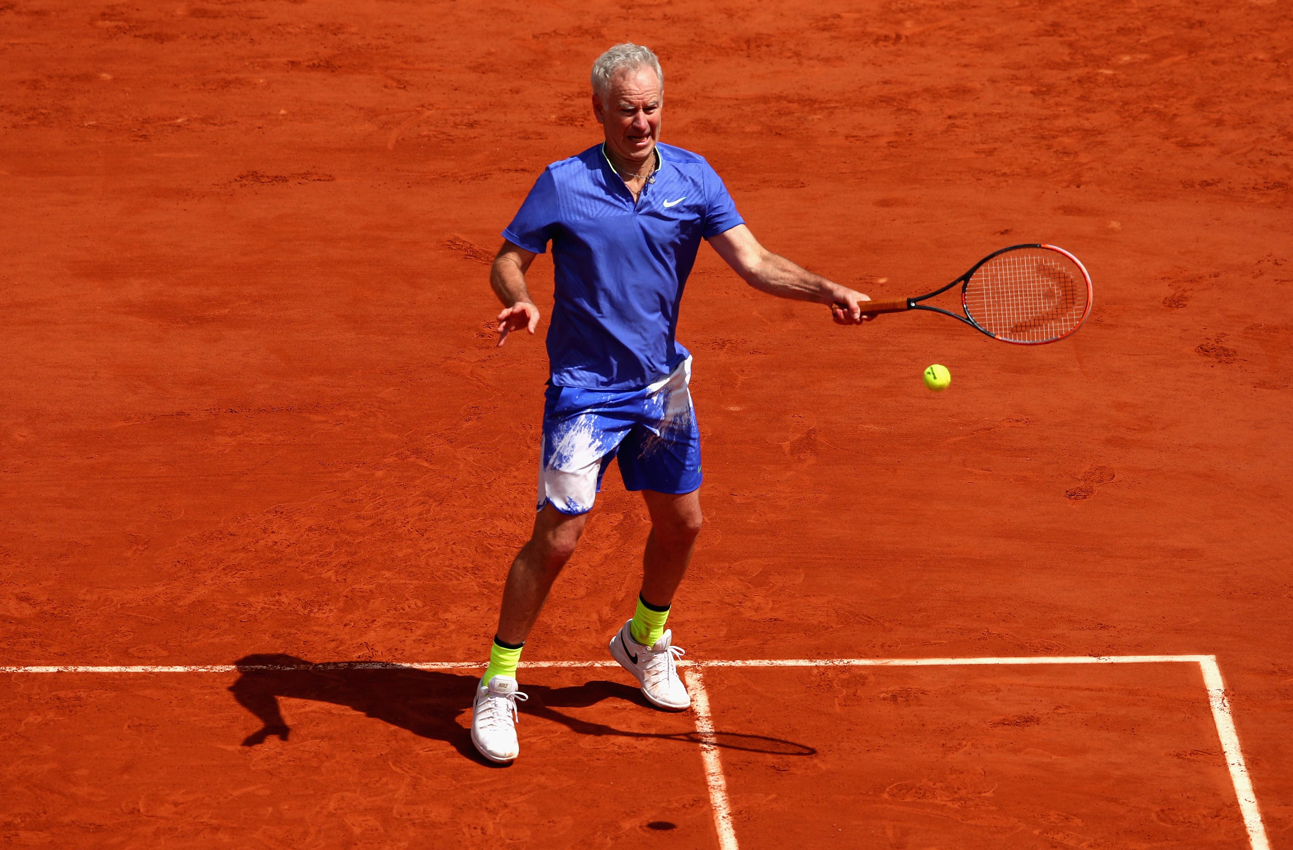 Der 58-jährige McEnroe steht selbst noch regelmäßig auf dem Court, wie bei den French Open in einem Legendenmatch gegen Pete Cash und Michael Chang.