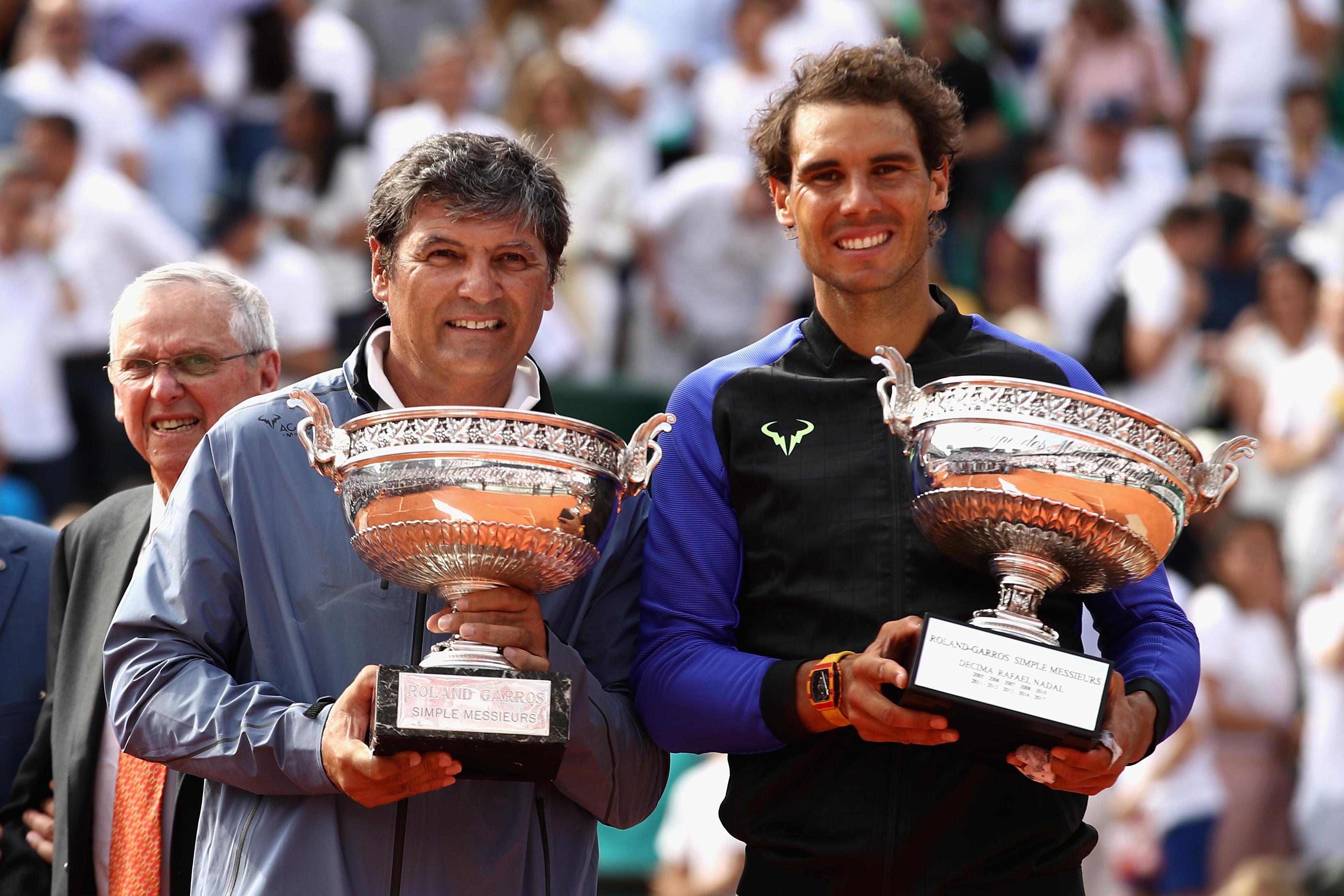 Toni Nadal (li.), mit seinem Neffen Rafael bei der Siegerehrung der French Open, feiert bei den Mallorca Open seine Premiere als Turnierdirektor.