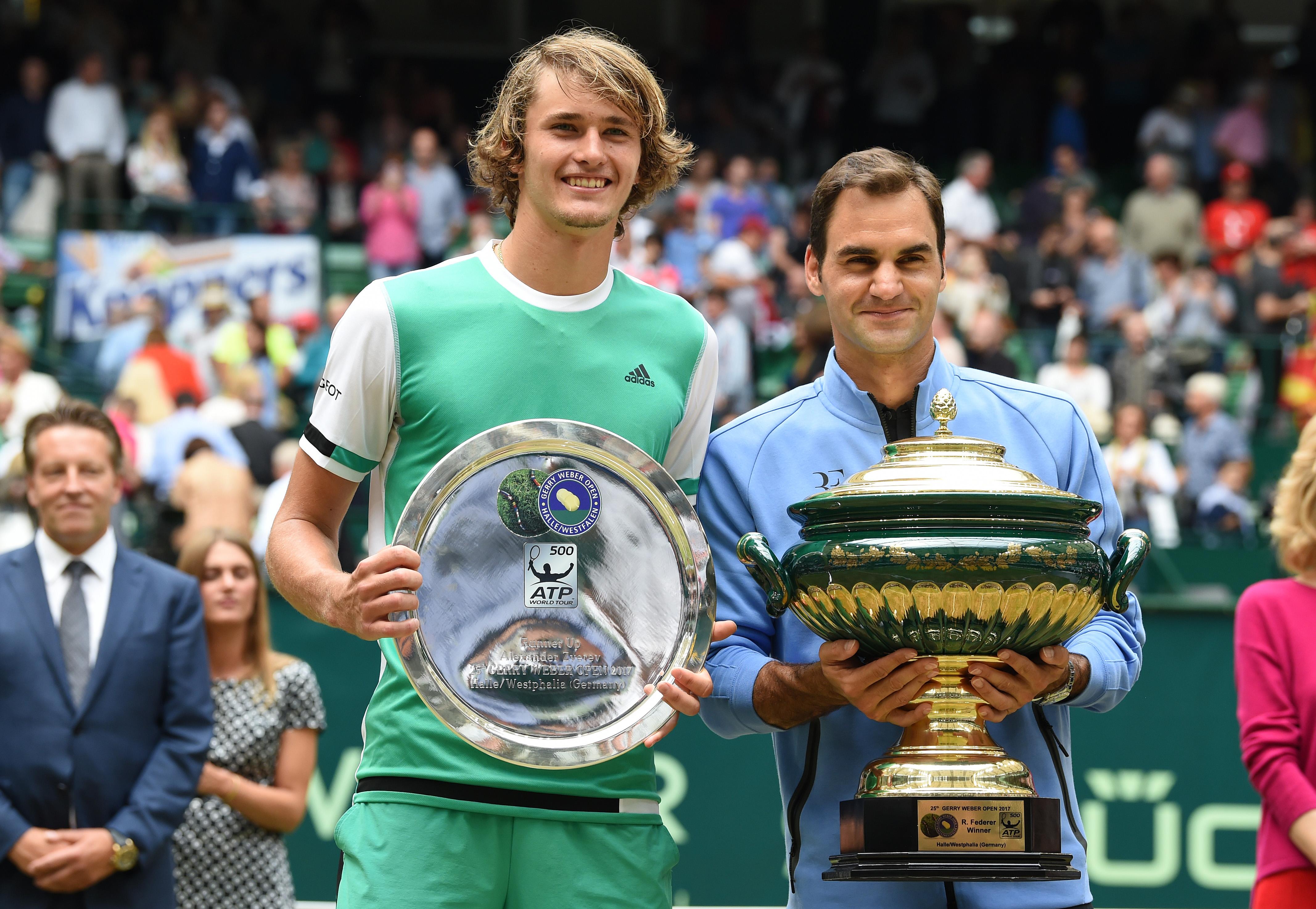 Alexander Zverev zog beim Rasenturnier in Halle bis ins Finale ein. Dort unterlag er Roger Federer jedoch deutlich (1:6, 3:6).