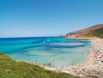 Viel blauer geht's nicht – Tennis auf Mallorca