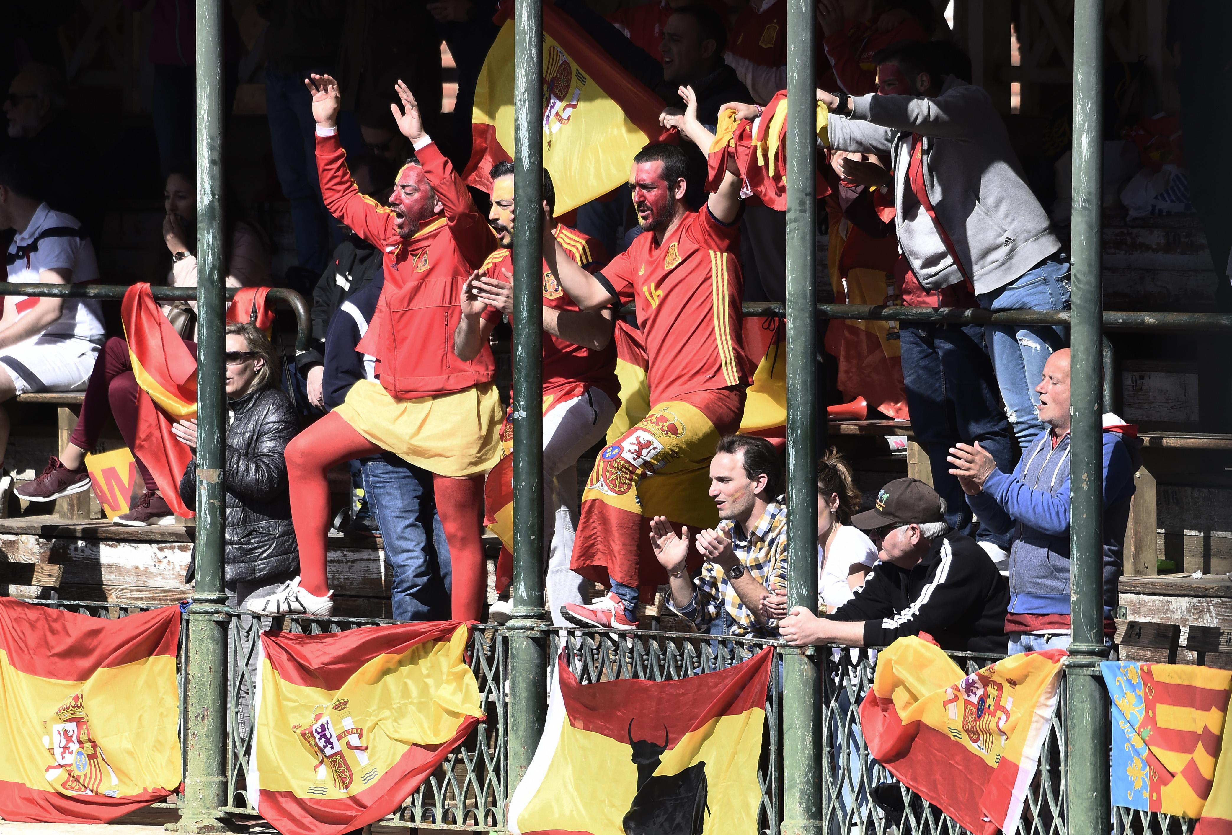 8000 Fans sorgten beim Davis Cup Viertelfinale in der Stierkampfarena von Valencia für eine phänomenale Stimmung.
