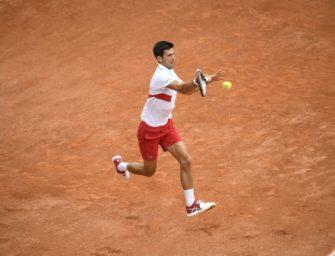 Djokovic mit nächstem Dreisatzerfolg in Runde drei
