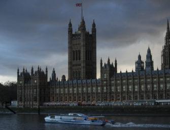 Britisches Parlament: Brexit und Roger Federer