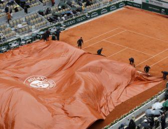Regen und Wind: Halbfinale Djokovic-Thiem muss am Samstag zu Ende gespielt werden
