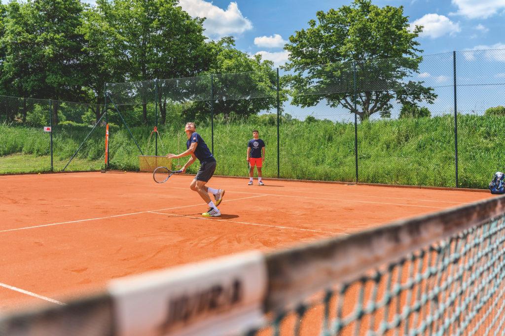 Besser Tennis spielen