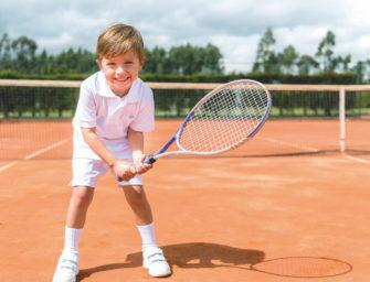 Tennis für Jugendliche im Wachstum: Spiel, Satz und Spaß