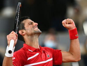 Djokovic schlägt Chatschanow problemlos – und trifft erneut Linienrichter