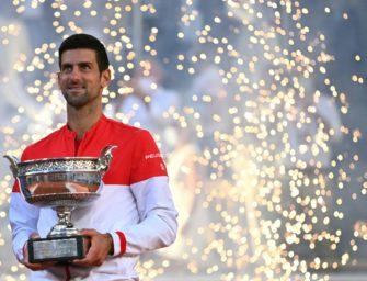 """Djokovic schenkt jungem Fan seinen Schläger: """"Er hat mich gecoacht"""""""