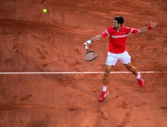 Djokovic schnappt Tsitsipas den Sieg weg und feiert zweiten Triumph in Paris